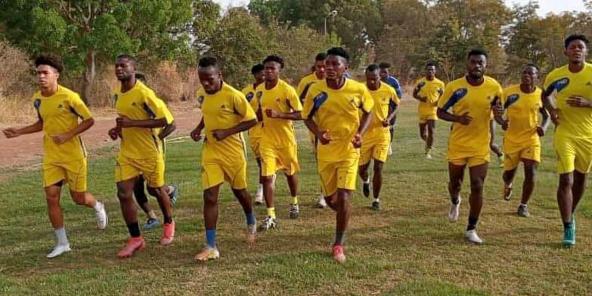 Entraînement de l'équipe de l'AS Bouenguidi.