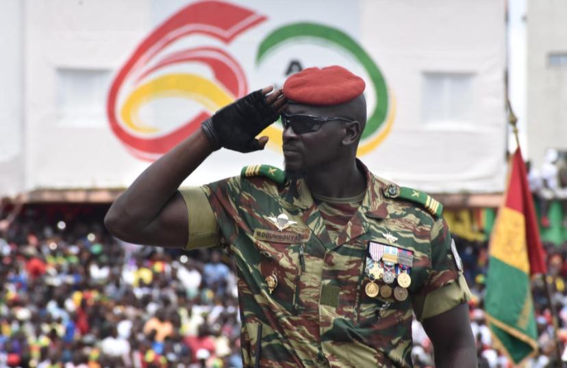 Le lieutenant-colonel Mamady Doumbouya, commandant des Forces spéciales guinéennes, lors d'un défilé militaire en 2019.