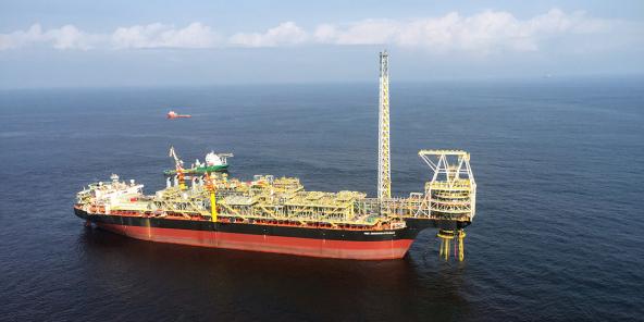Les découvertes dans les deux blocs pourraient accroître la production pétrolière du Ghana de 200 000 barils par jour d'ici à 2026.
