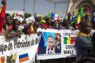 Des partisans d'une intervention russe au Mali, lors d'une manifestation en faveur des putschistes à Bamako, en septembre 2020.