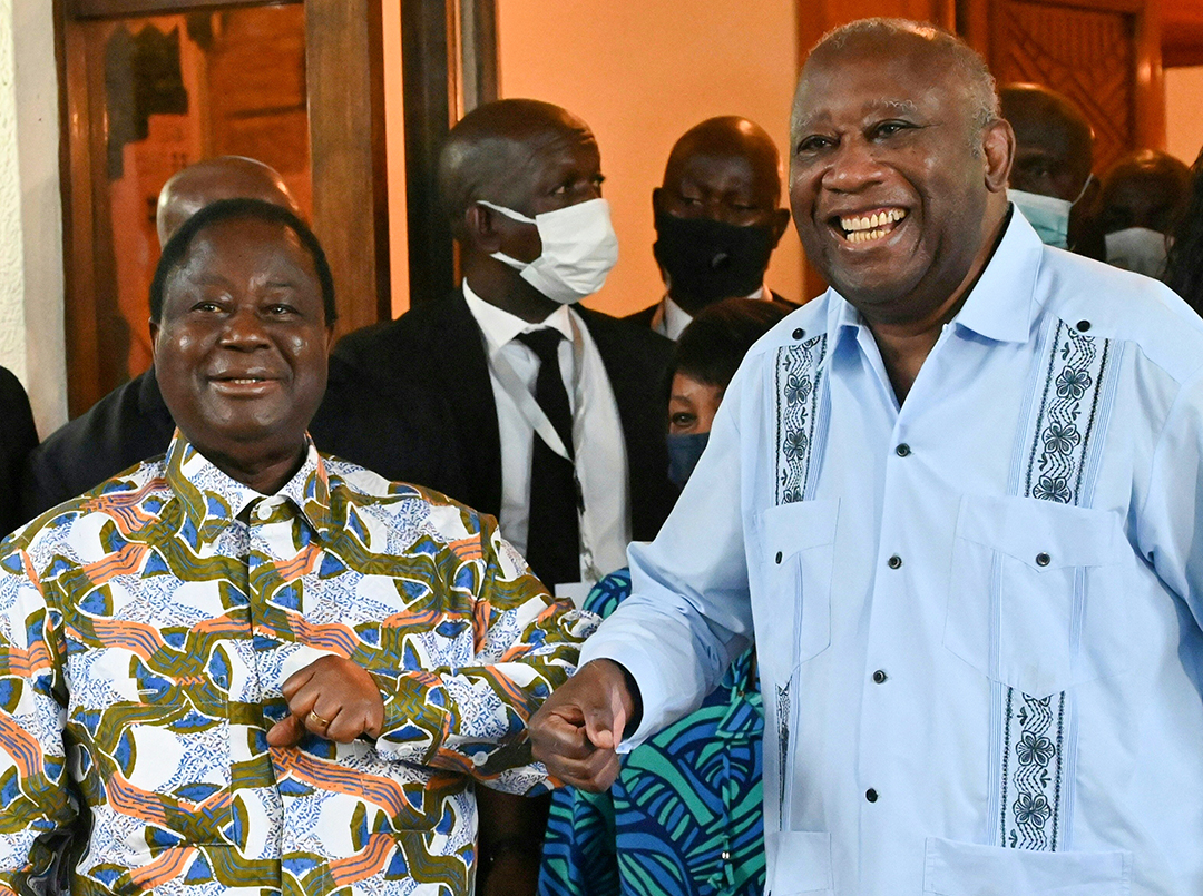 Henri Konan Bédié et Laurent Gbagbo dans la résidence du premier, à Daoukro, le 10 juillet 2021.